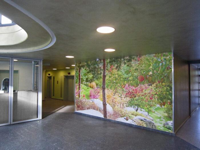 Foyer Hochhaus Wandgestaltung stimmungsvoll